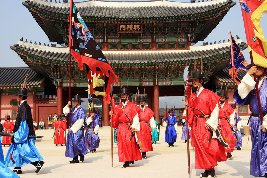"Historical  Palace  and No 1 Performance "" Nanta "" Show Full Day Tour"
